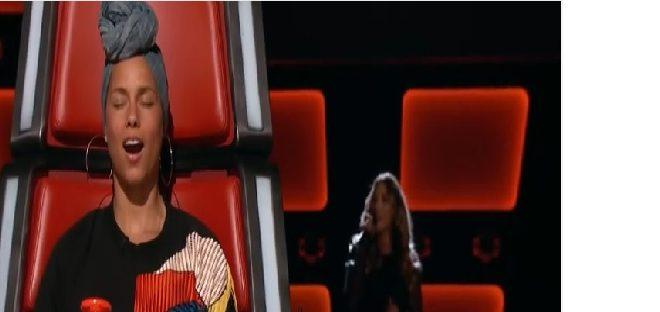 La nouvelle Alicia Keys chante devant Alicia Keys !