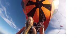Un joli décolleté qui a décidé de prendre l'air en montgolfière !