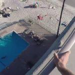 saut-piscine-toit-hotel