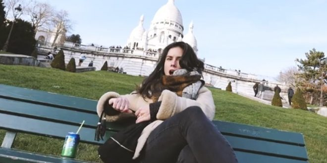 Un jeune rappeur déclare sa rupture en chanson à travers des vidéos souvenirs de son couple !